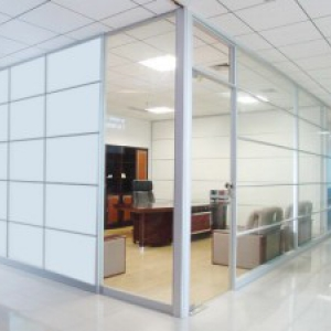 Partitions of glass and stainless steel or aluminum